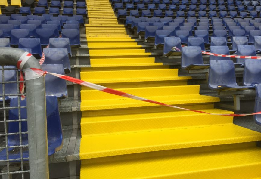 Vloercoating antislip tribunetrap NAC Breda